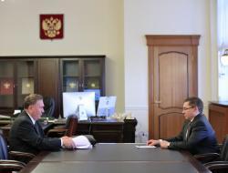 Владимир Якушев и Александр Михайлов обсудили ситуацию в сфере строительства и ЖКХ Курской области