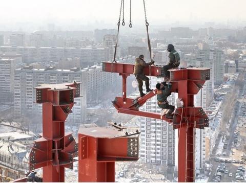 Ассоциация «СтройИндустрия» обратилась к Владимиру Якушеву с предложением законодательно обязать СРО контролировать высотные стройки