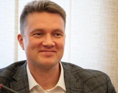 Две строительные компании, состоящие в екатеринбургской СРО, вместе с депутатом Олегом Кагилевым подозревают в мошенничестве…