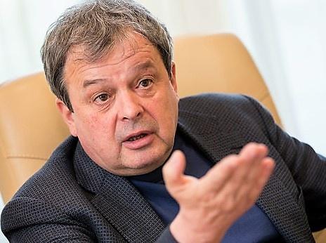 Михаил Балакин выдвинулся в мэры Москвы и мечтает создать новую стройкомпанию. Такую же, как СУ-155, входившую сразу в три СРО…