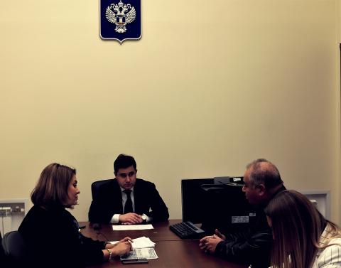 Никита Стасишин отвечал на вопросы граждан, в том числе по незавершённому строительству и валютному ипотечному кредитованию