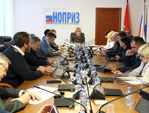 В НОПРИЗ планируют попросить Дмитрия Козака ввести мораторий на исключение СРО из Госреестра до принятия законопроекта № 374843-7