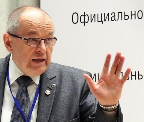 Валерий Мозолевский объявил войну региональному Минстрою и грозит прокуратурой