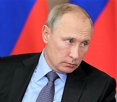 Владимир Путин поручил Кабмину помочь регионам сократить сроки выдачи разрешений на стройку