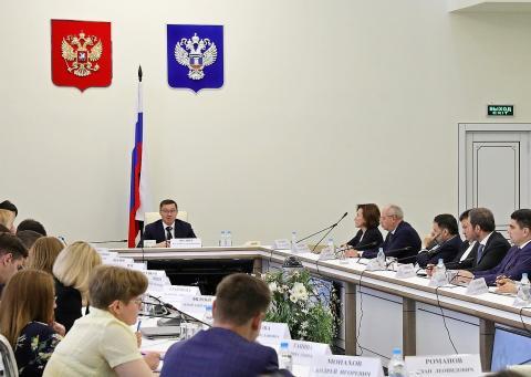 Владимир Якушев обсудил с банкирами и застройщиками закон о долевом строительстве