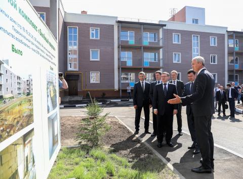 Владимир Якушев проинспектировал в Ярославле ввод в эксплуатацию домов для обманутых дольщиков
