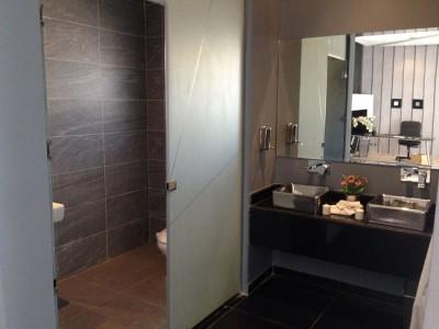Как зрительно увеличить ванную комнату