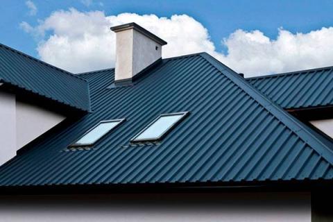 Оптимальный вариант – выбор профнастила для крыши