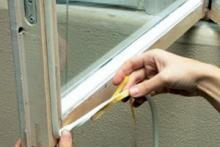 Утепляем окна перед зимним сезоном профессиональным материалом EURO-STRIP