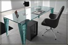 Стеклянные офисные столы