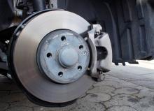 Как выбрать тормозные колодки для автомобиля